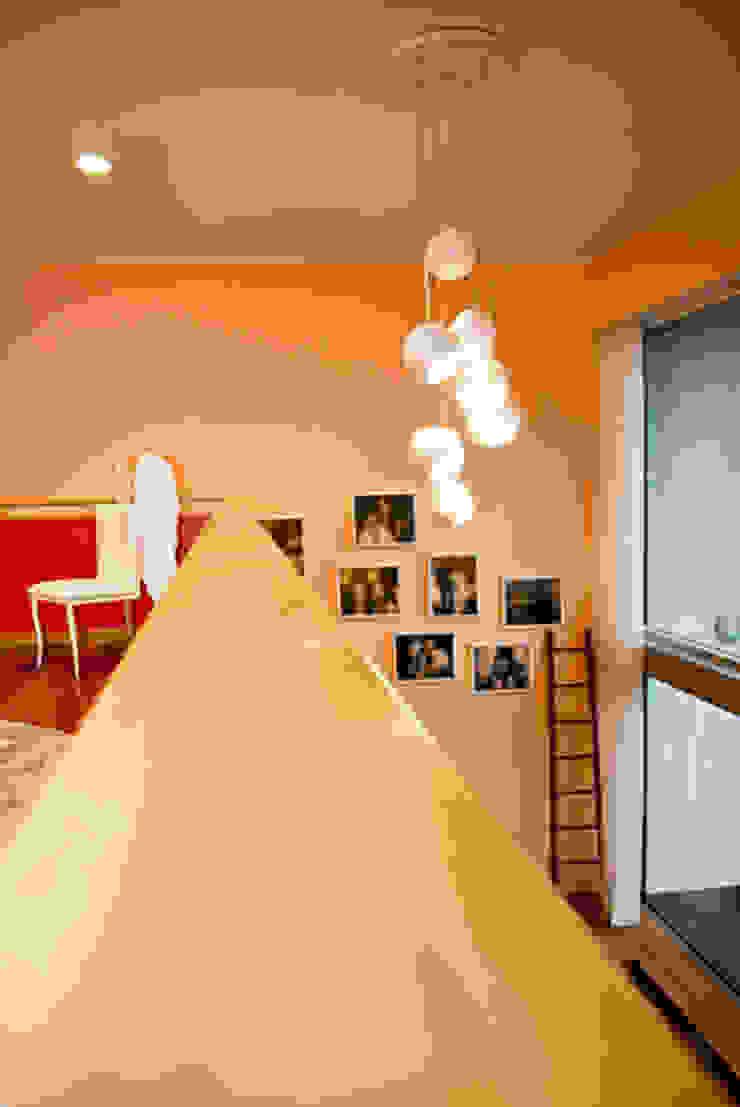 Loft | Quinta de Cravel | 2011 Quartos modernos por Susana Camelo Moderno