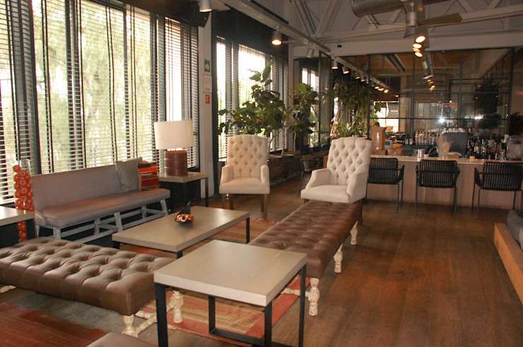Diseño Integral En Madera S.A de C.V. Corridor, hallway & stairsAccessories & decoration Wood