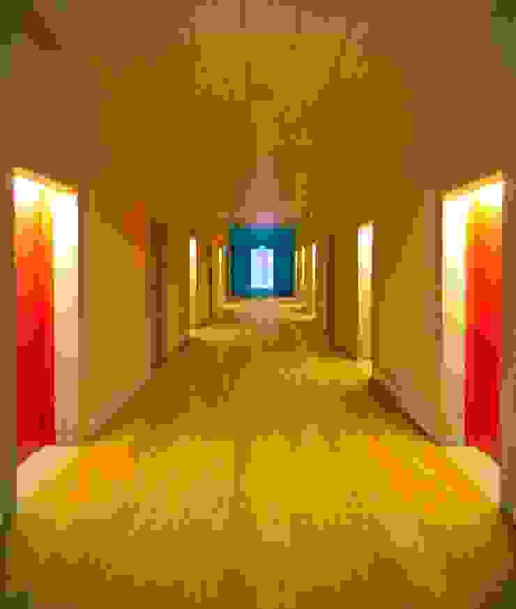Corredores, halls e escadas modernos por armazem de arquitectura Moderno