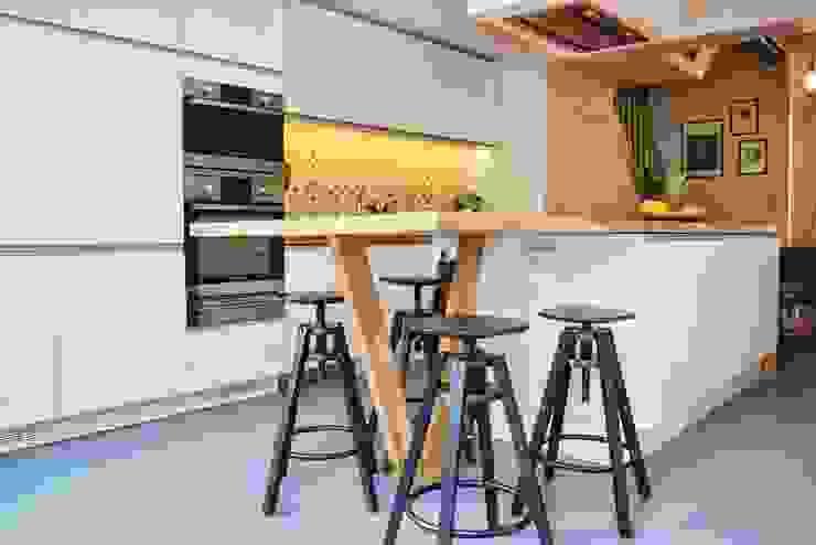 Rénovation maison Bruxelles Cuisine moderne par Metaforma Architettura Moderne