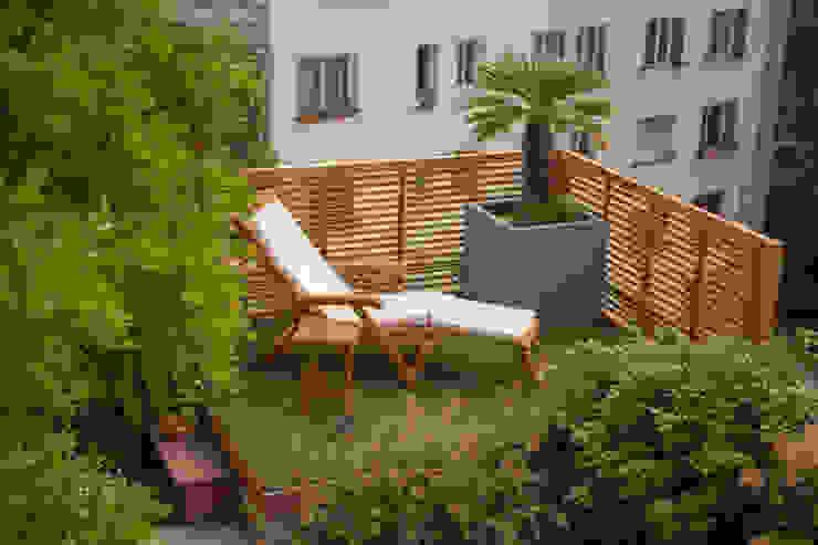 Duplex parisien L'esprit au vert Balcon, Veranda & Terrasse modernes