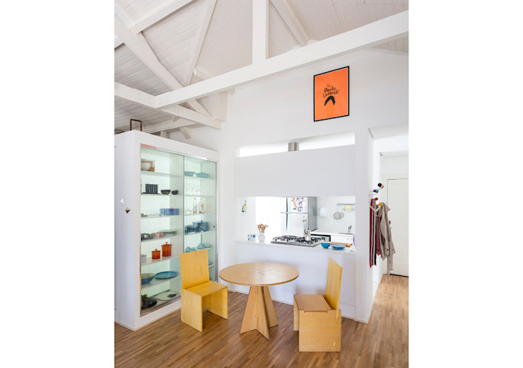 Ruang Makan Minimalis Oleh RSRG Arquitetos Minimalis