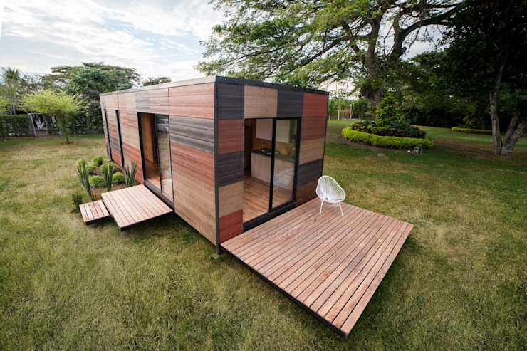 Houses by COLECTIVO CREATIVO,