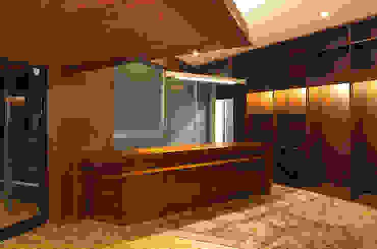 Ruang Studi/Kantor Modern Oleh 原口剛建築設計事務所 Modern