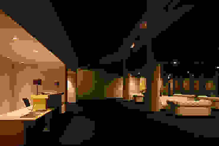 浦島東館 モダンデザインの リビング の 原口剛建築設計事務所 モダン