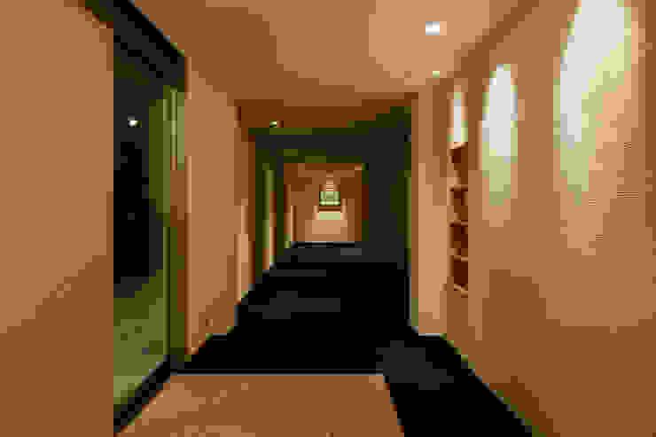 浦島東館 モダンスタイルの 玄関&廊下&階段 の 原口剛建築設計事務所 モダン