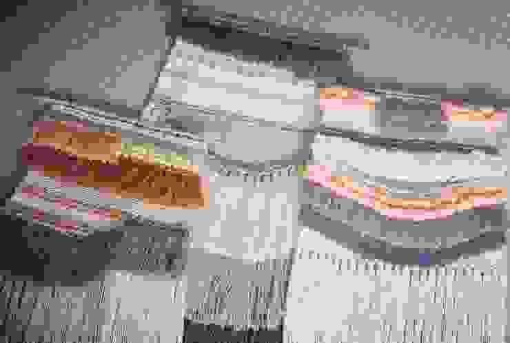 The Weaving Affair por The Weaving Affair Rústico