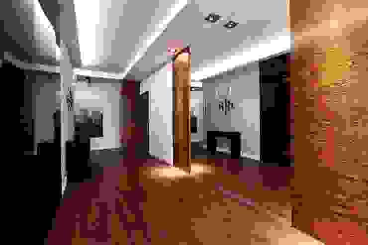 FLOW Franiak&Caturowa Modern corridor, hallway & stairs