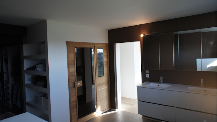 Bureau d'Architectes Desmedt Purnelle Modern Bathroom