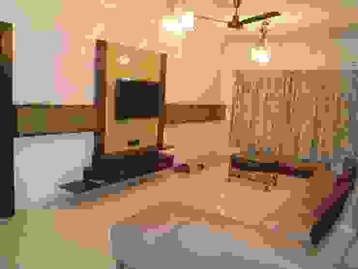 Punjabi's Residence. Modern living room by MAVERICK Architects Modern