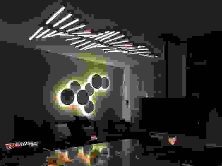 Iluminación salón de LLIBERÓS SALVADOR Arquitectos Minimalista