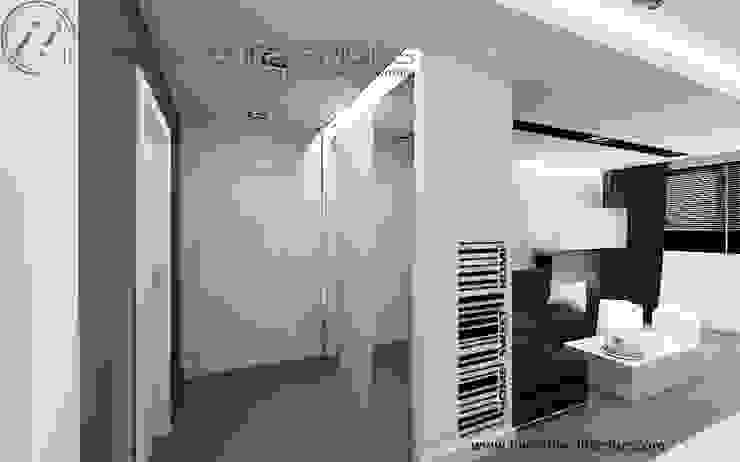 Biało szary przedpokój Minimalistyczny korytarz, przedpokój i schody od Inventive Interiors Minimalistyczny