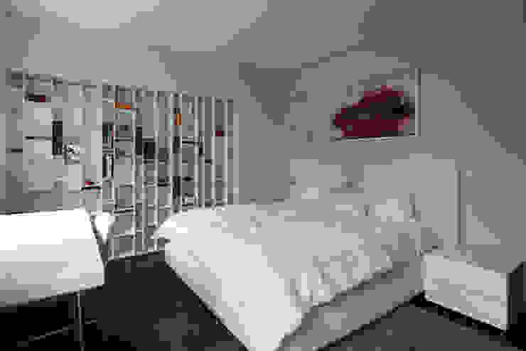 Dormitorio Cuartos de estilo clásico de Sanchez + Sanchez Proyectos Clásico