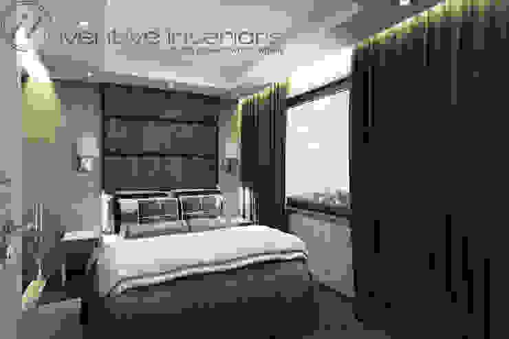 Szara sypialnia z jasnym drewnem Klasyczna sypialnia od Inventive Interiors Klasyczny