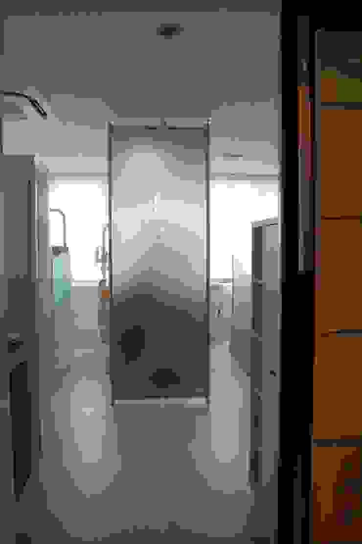 診察室パーテション Consulting room  Partition: ASut Designが手掛けたスカンジナビアです。,北欧