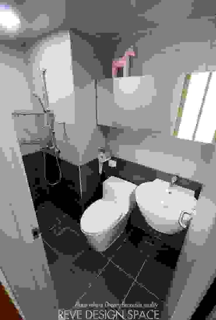 Modern style bathrooms by 디자인스튜디오 레브 Modern