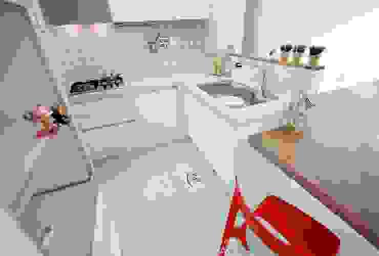 Moderne keukens van 디자인스튜디오 레브 Modern
