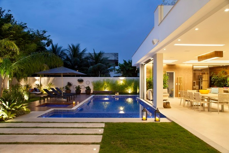 Modern Pool by Carmen Mouro - Arquitetura de Exteriores e Paisagismo Modern