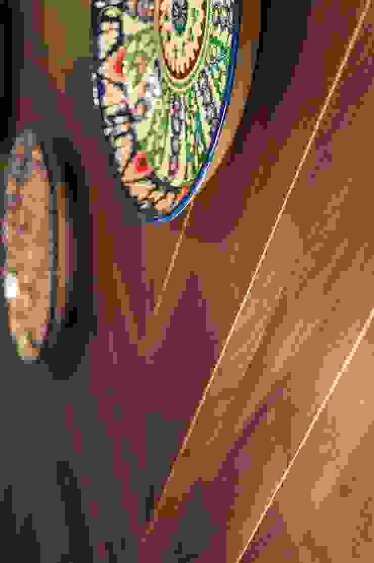 Пробковые полы CORKSTYLE в ТВ-проектах Гостиная в азиатском стиле от CORKSTYLE Азиатский
