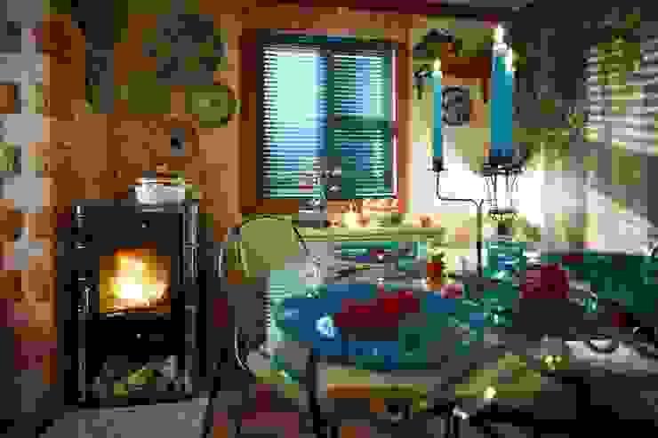 Пробковые полы CORKSTYLE в ТВ-проектах Кухня в стиле кантри от CORKSTYLE Кантри