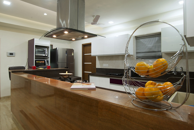 OPULENT SIMPLICITY Modern kitchen by Archana Shah & Associates Modern