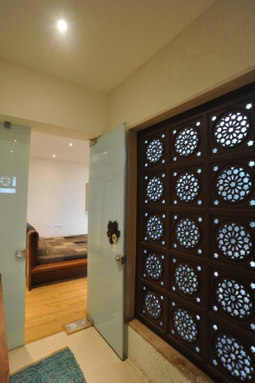 LIVING WITH NATURE Modern walls & floors by Archana Shah & Associates Modern