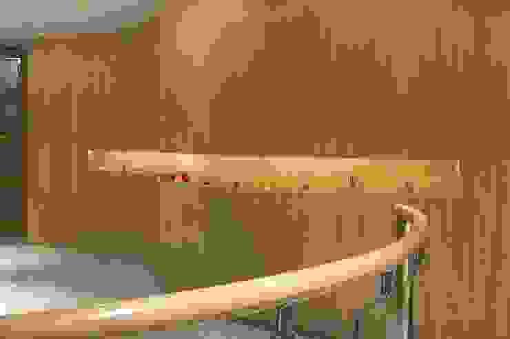 Paredes y pisos modernos de Diseño Integral En Madera S.A de C.V. Moderno