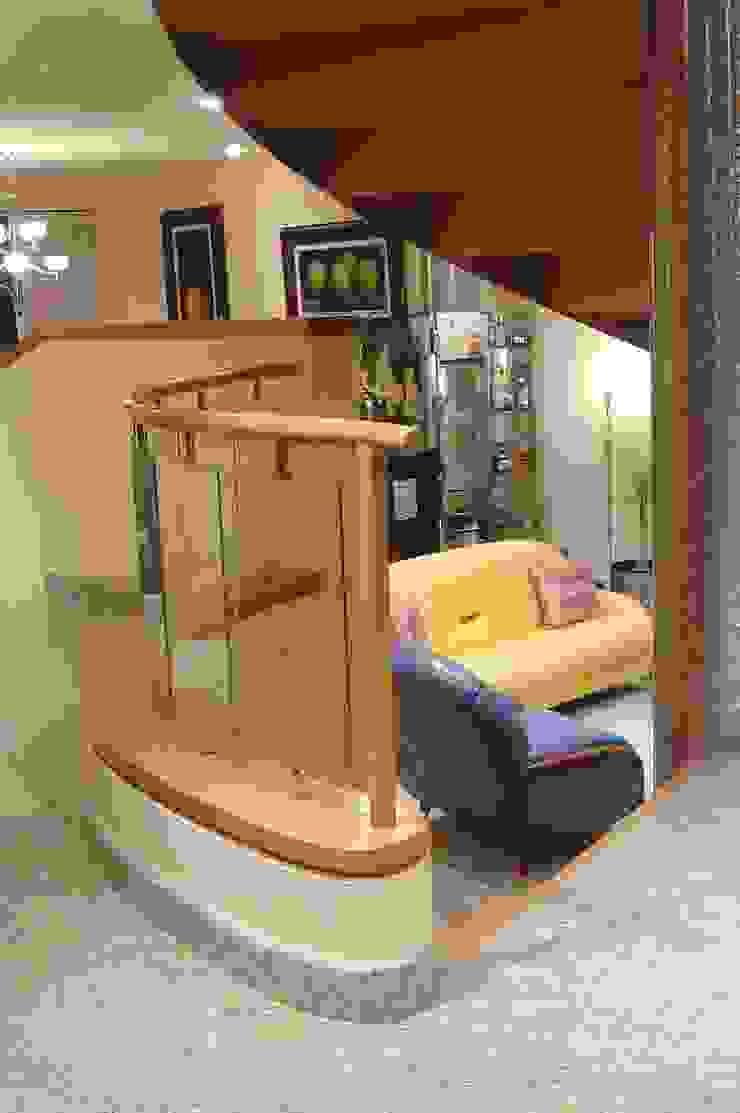 CASA LAURELES Salones modernos de Diseño Integral En Madera S.A de C.V. Moderno