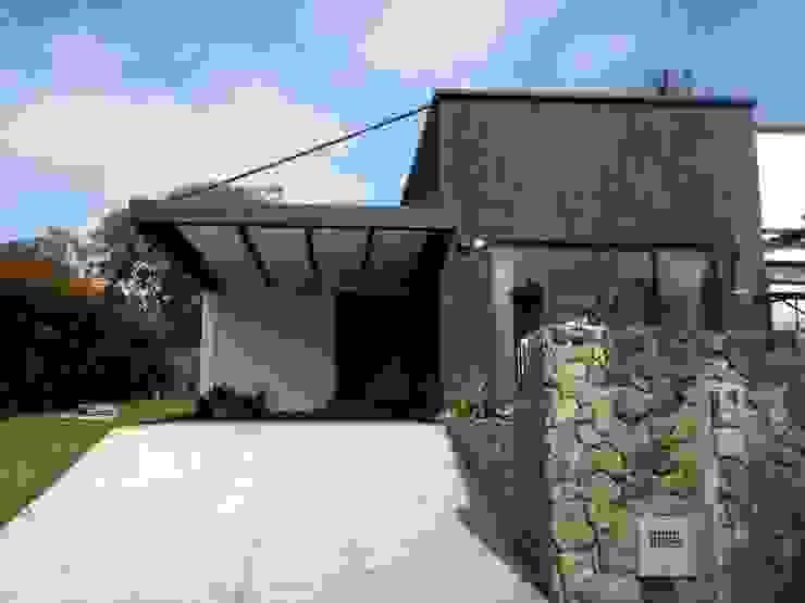 Casa Gualanday: Casas de estilo  por Andrés Hincapíe Arquitectos  A H A, Moderno