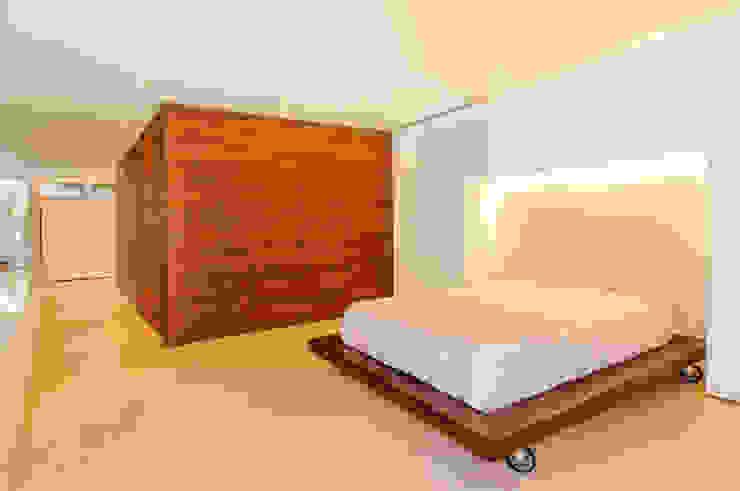 Dormitorios modernos: Ideas, imágenes y decoración de FR ARQUITECTURA S.A.S. Moderno