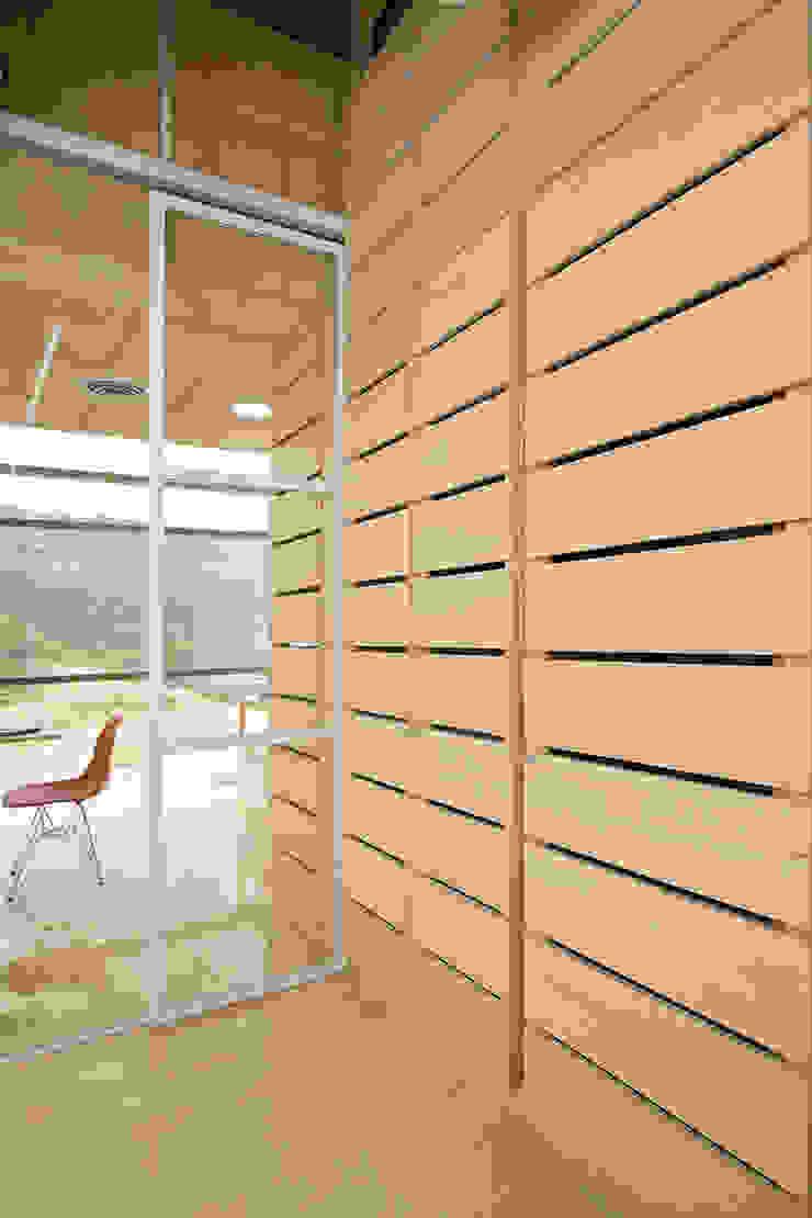 oficina 305 de minima design & architecture studio