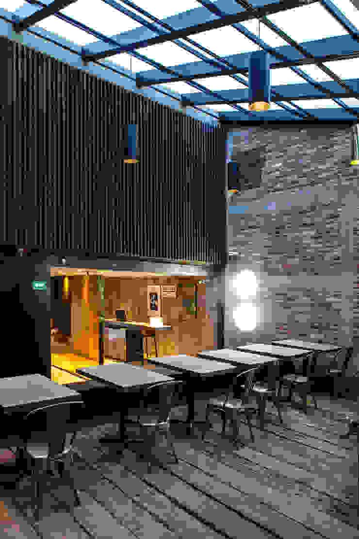 Taquilla!!! Barnabé Bustamante Ludlow Arquitectos Bares y clubs Mármol Beige