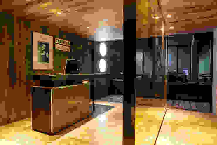 Taquilla y acceso a Restaurante Miranda y Bar Próspero Barnabé Bustamante Ludlow Arquitectos Bares y clubs