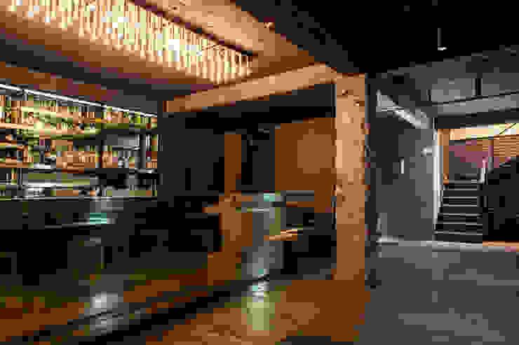 Bar Próspero Barnabé Bustamante Ludlow Arquitectos Bares y clubs Cobre/Bronce/Latón Ámbar/Dorado
