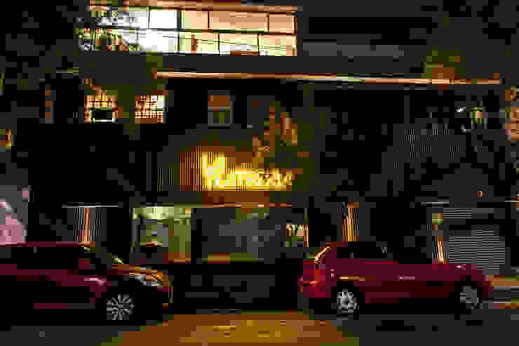 La Teatrería Barnabé Bustamante Ludlow Arquitectos Lugares para eventos Hierro/Acero Negro
