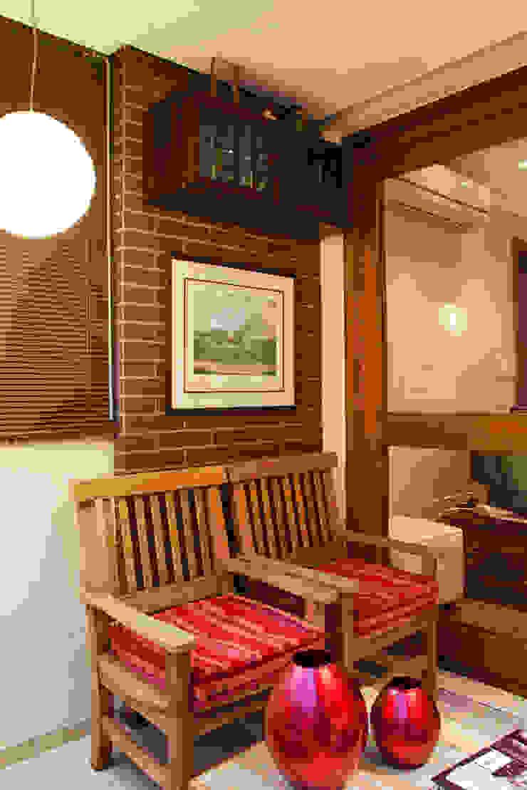 Ana Levy | Arquitetura + Interiores Balkon, Beranda & Teras Gaya Country