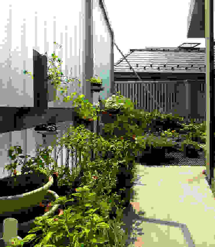 Varandas, alpendres e terraços modernos por ユミラ建築設計室 Moderno