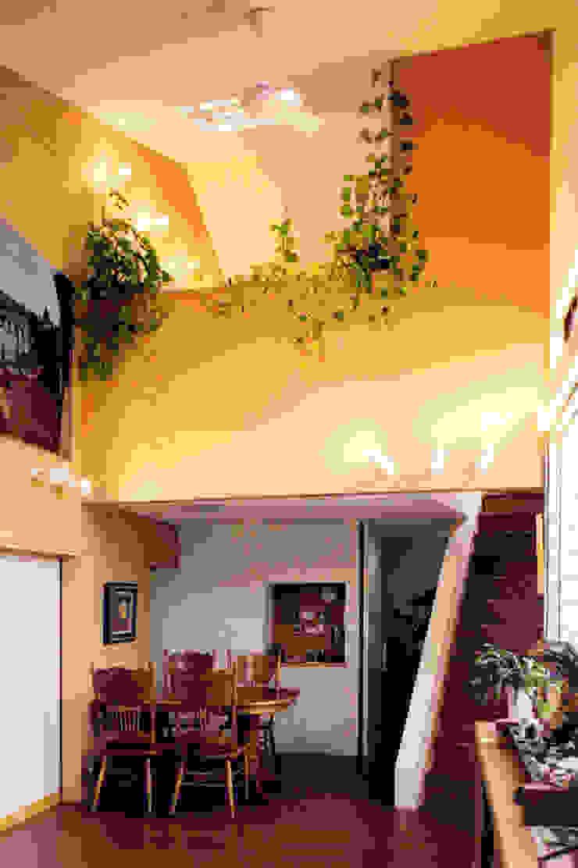 アトリエのある趣味をいかす家 モダンデザインの ダイニング の ユミラ建築設計室 モダン
