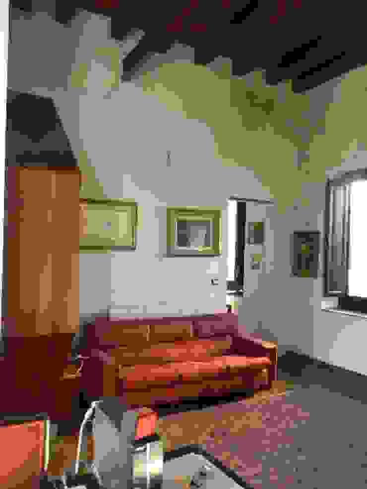 de Giovanni Lucentini piccolo studio di architettura di 7 mq. Moderno