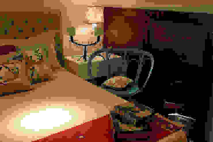 MUEBLES Y SILLONES DISEÑO VIVO BedroomBeds & headboards
