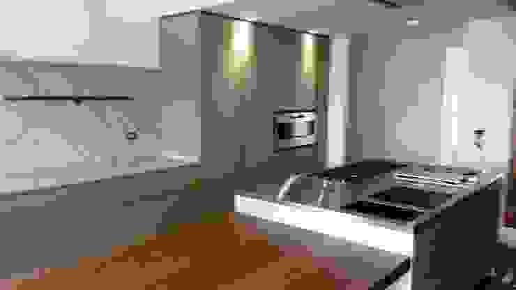 Vibo Cucine sas di Olivero Bruno e c. クラシックデザインの キッチン