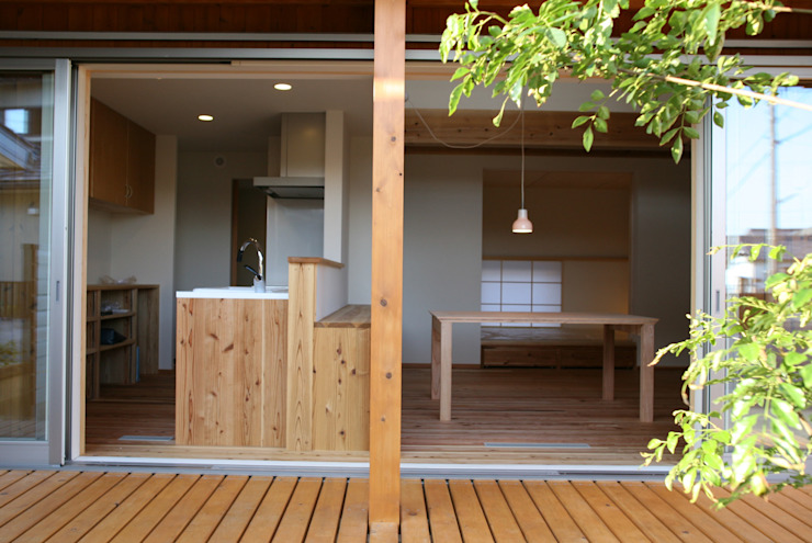 Asian windows & doors by 株式会社タマゴグミ Asian Wood Wood effect