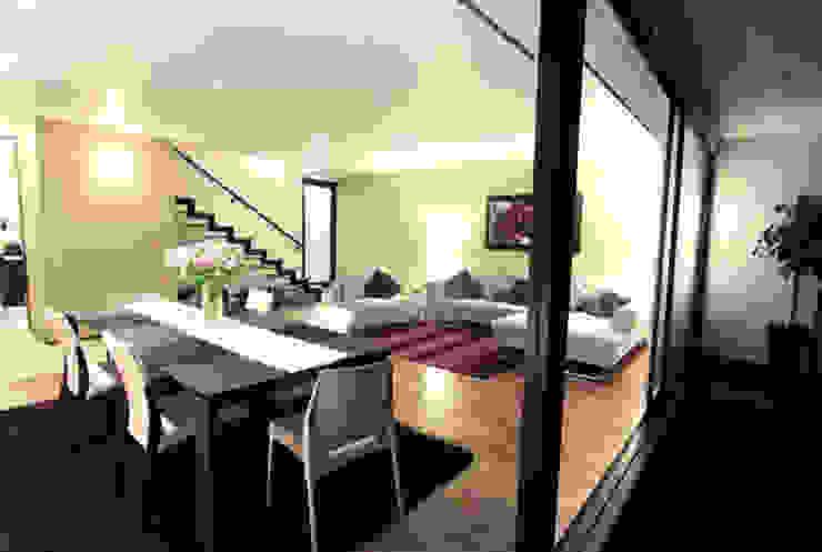 Casa Coyoacán Monserrat Salones modernos de ARQUITECTURA SOSTENIBLE Moderno