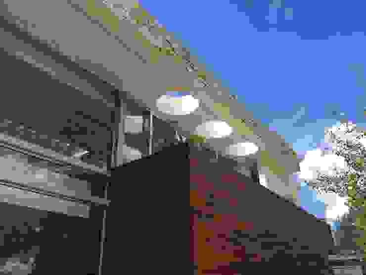 Casa en Cardales Дома в стиле модерн от BARRIONUEVO SIERCHUK ARQUITECTAS Модерн