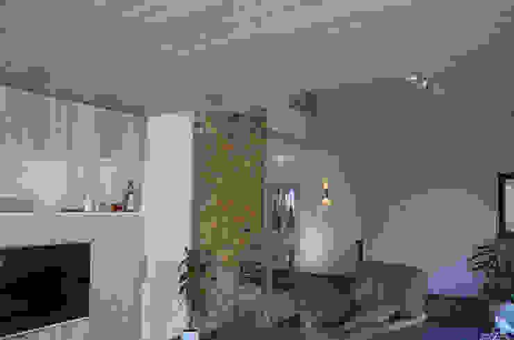 Ontwerpbureau Op den Kamp 现代客厅設計點子、靈感 & 圖片