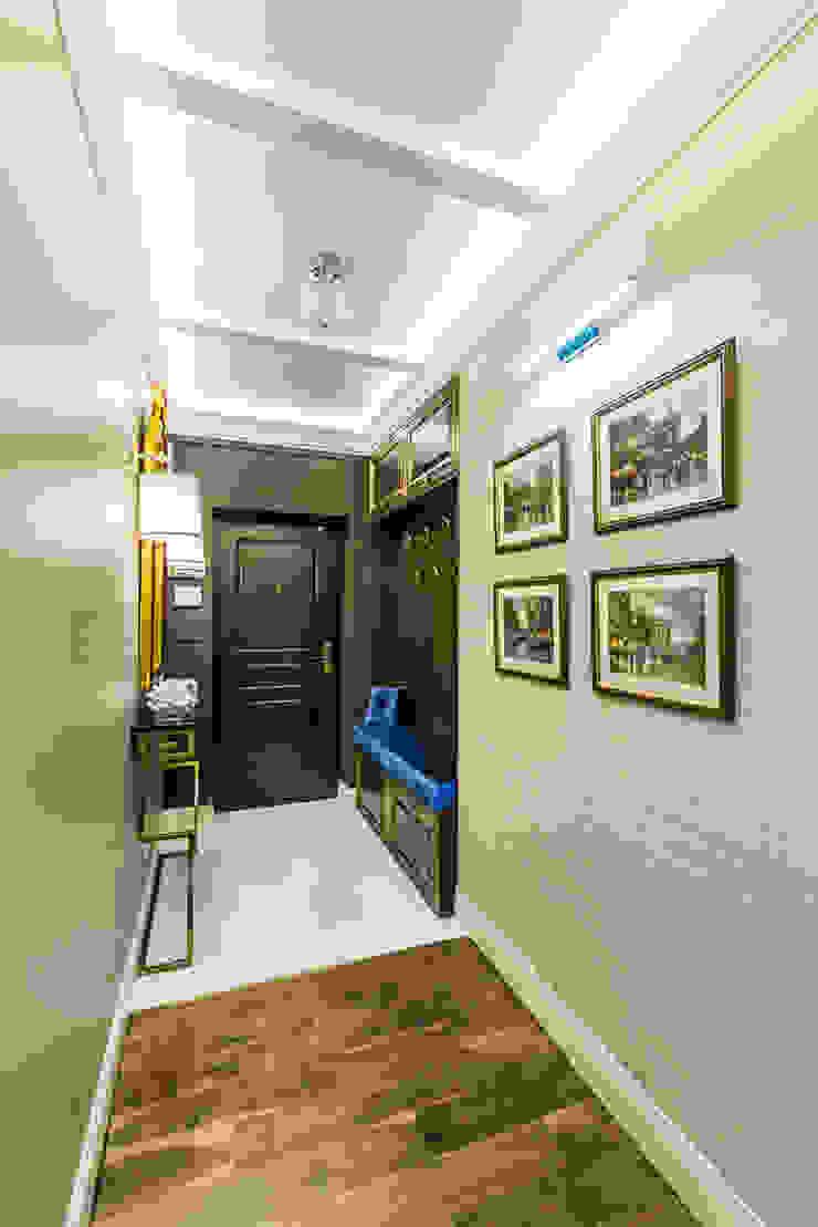 Tony House Interior Design & Decoration Ingresso, Corridoio & Scale in stile moderno Variopinto