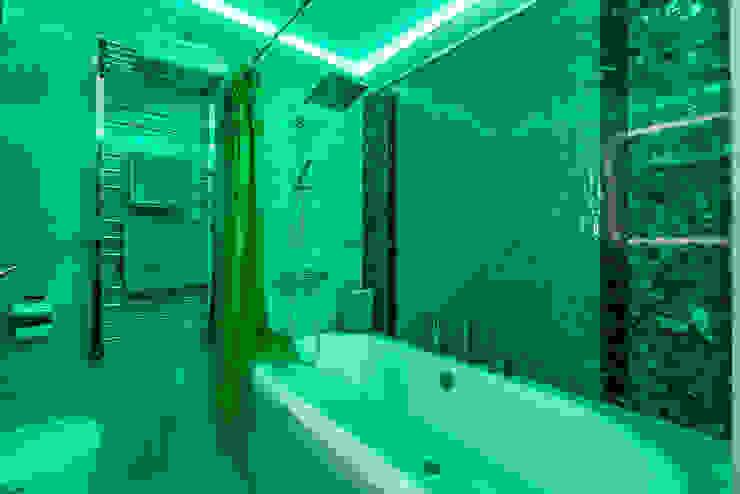 КВАРТИРА В СОВРЕМЕННОМ СТИЛЕ Ванная комната в стиле модерн от Tony House Interior Design & Decoration Модерн