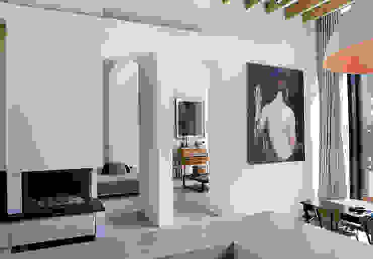 Гостиная в стиле модерн от Iceberg Architectes Модерн