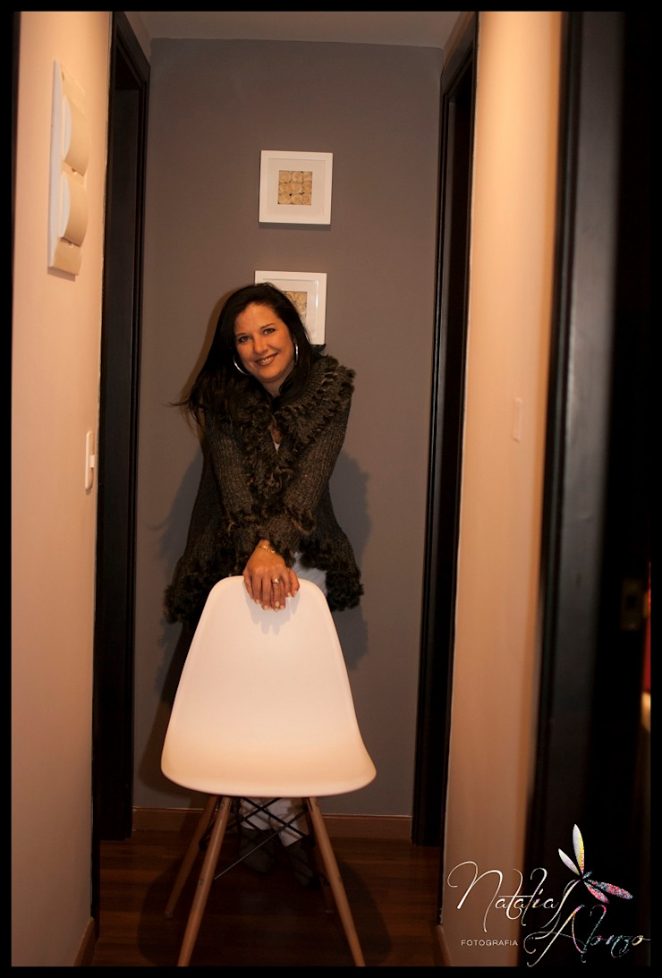 Pasillo Pasillos, vestíbulos y escaleras eclécticos de Diseñadora Lucia Casanova Ecléctico
