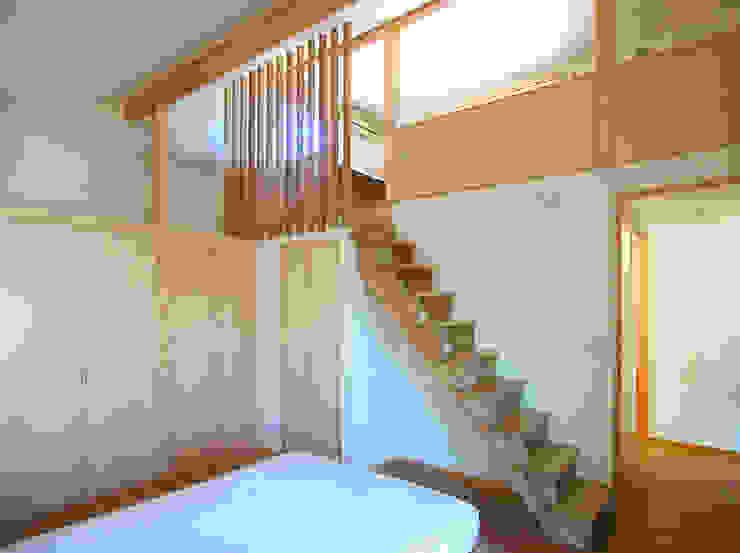 デッキテラスの家(リフォーム) モダンスタイルの寝室 の ユミラ建築設計室 モダン